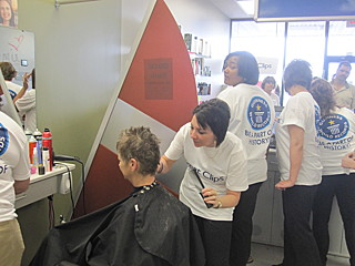 Strzyżenie włosów naczas