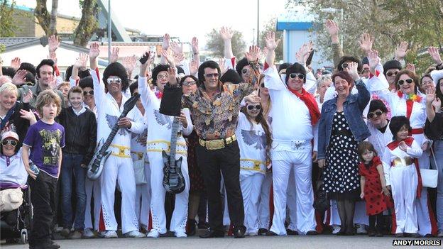 Największe zgromadzenie sobowtórów Elvisa Presleya - rekord Guinessa