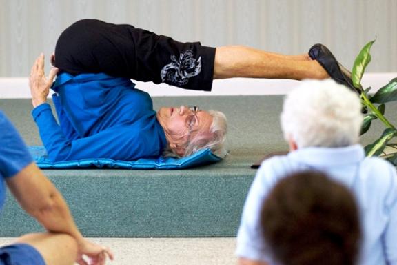 Najstarsza instruktorka jogi