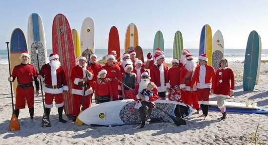 Surfujący Mikołaje – rekord Guinessa