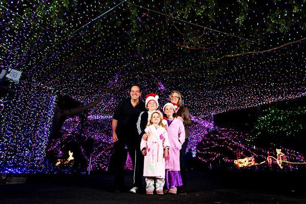 Największa świecąca dekoracja świąteczna