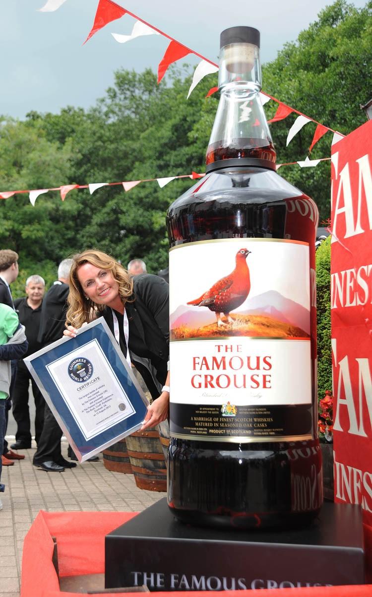 Famous Gouse - największa butelka whisky