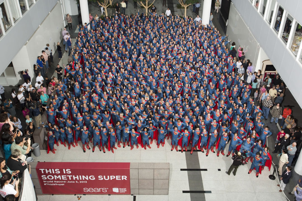 Najwięcej osób wstroju Supermana - rekord Guinessa
