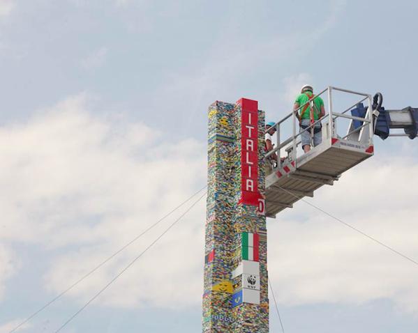 Najwyższa wieża zklocków Lego - Mediolan