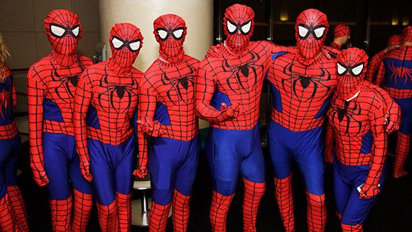 Najwięcej osób wstroju Spider-Mana