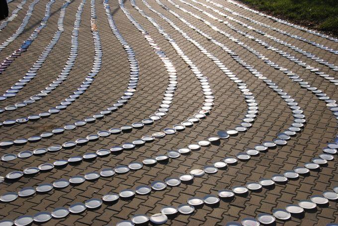 Najdłuższy łańcuch zpapierowych talerzyków - rekord Polski