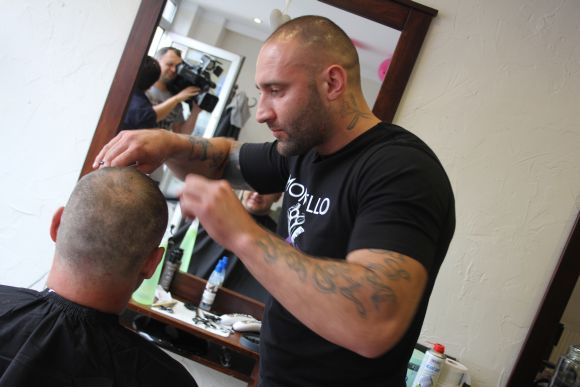 Strzyżenie włosów naczas - rekord Polski
