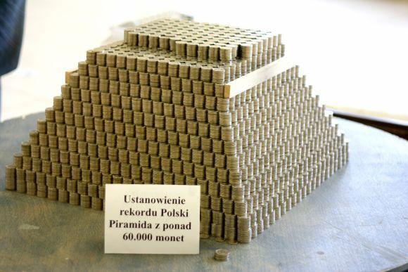 Największa piramida zmonet - Rekord Polski