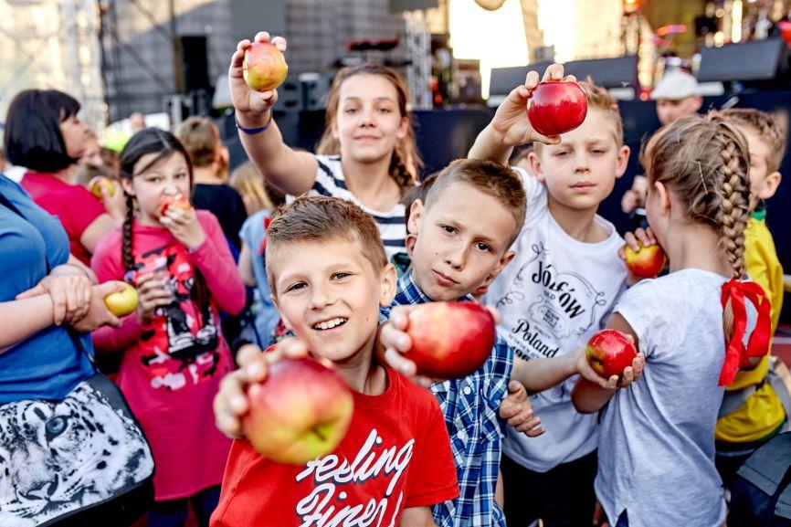 Najwięcej osób jedzących jabłka jednocześnie - Rekord Polski