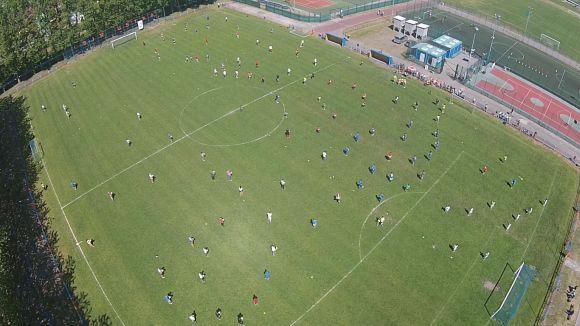 Najwięcej osób podbijających piłkę nożną jednocześnie - Rekord Polski