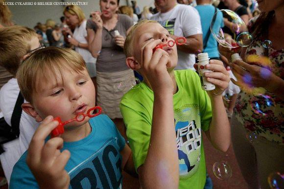 Najwięcej osób puszczających bańki mydlane jednocześnie - Rekord Polski