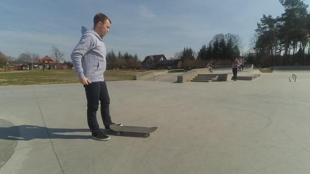 Skateboardowy rekord Guinnessa - backside shuvit