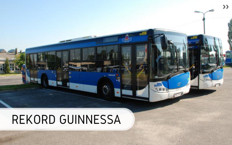 Rekord Guinnessa - najwięcej osób upchniętych wautobusie