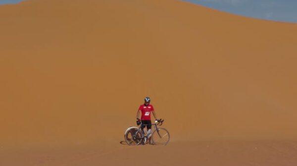 Najszybszy przejazd przez Saharę na rowerze - rekord Guinessa
