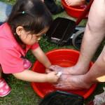 Najwięcej ludzi myjących stopy - rekord Guinessa