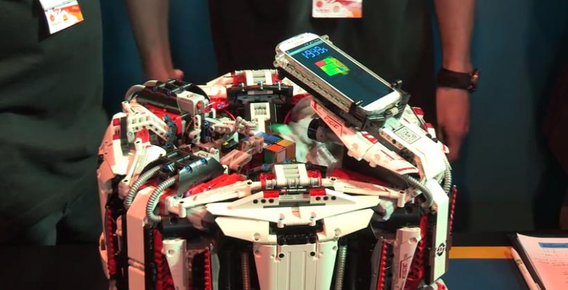 Układanie kostki Rubika naczas - rekord Guinnessa