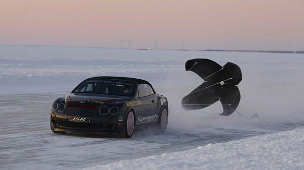 Najszybszy samochód na lodzie – rekord Guinessa
