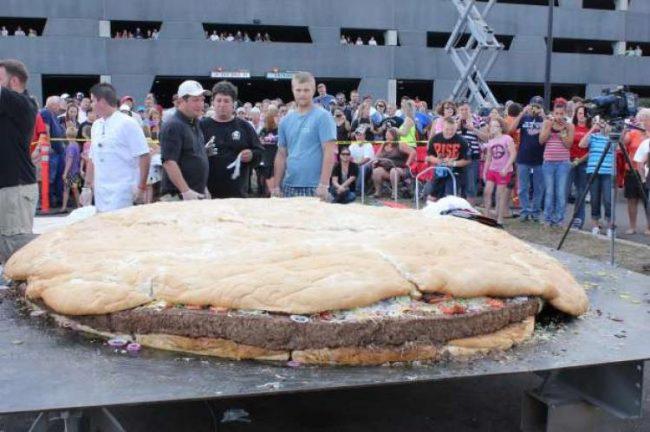 Najwiekszy hamburger - rekord