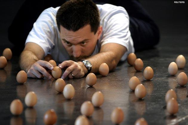 Ustawianie jaj pionowo - rekord