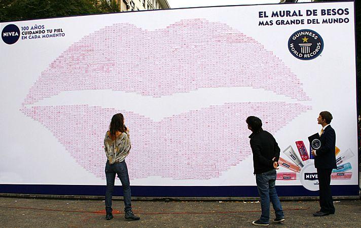 Najwięcej całusów na ścianie – rekord Guinessa