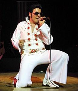 Rekord Guinessa nanajwiększe zgromadzenie sobowtórów Elvisa