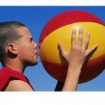 Rekord Guinessa w odbijaniu piłki plażowej