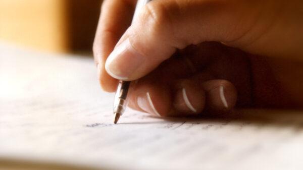Opowieść pisana przez setki osób