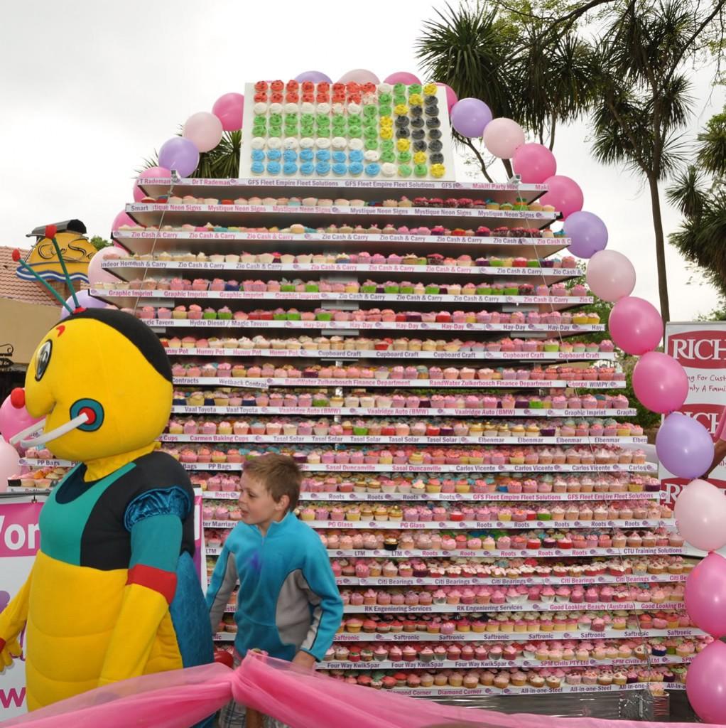 Wieża zbabeczek - rekord Guinessa