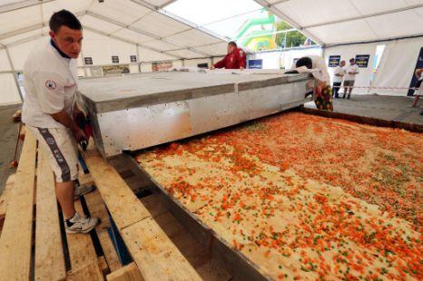 Największa lasagne świata - rekord Guinessa wPolsce