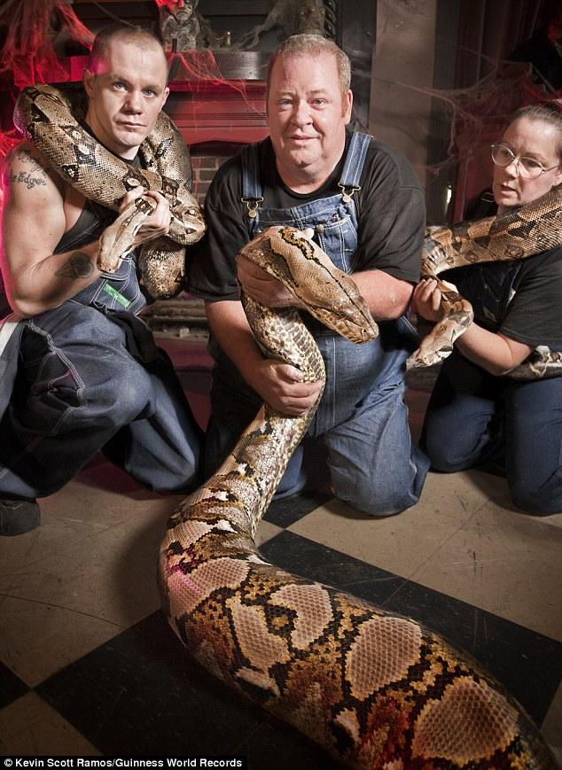 Najdłuższy wąż wniewoli