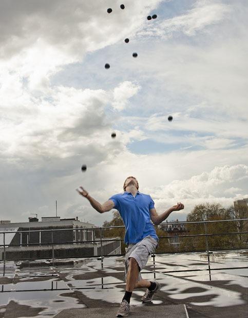 Najwięcej żonglowanych piłek - rekord Guinessa