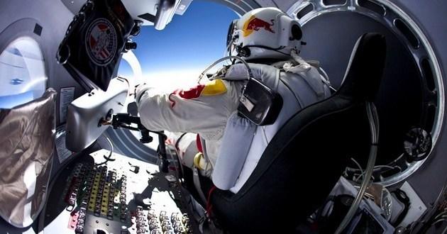 Felix Baumgartner – rekord Guinessa - spadochron
