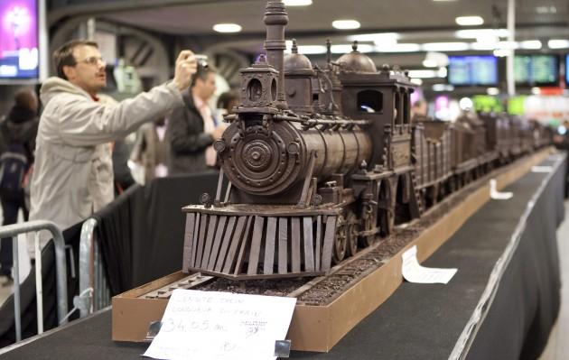Najdłuższa rzeźba zczekolady - rekord Guinessa