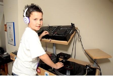 Najmłodszy DJ iproducent muzyczny - rekord Guinessa