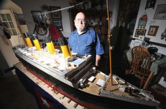 Największy papierowy model Titanica