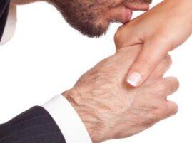 Całowanie w rękę – rekord Guinessa