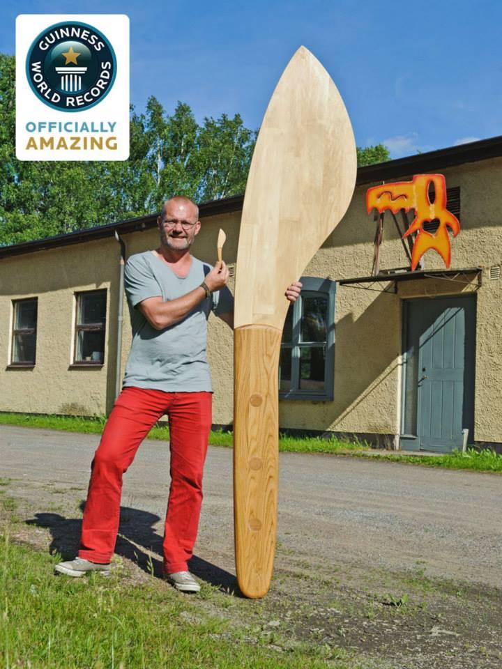 Największy nóż domasła - rekord Guinessa