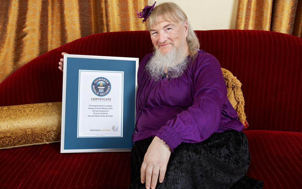 Kobieta znajdłuższą brodą