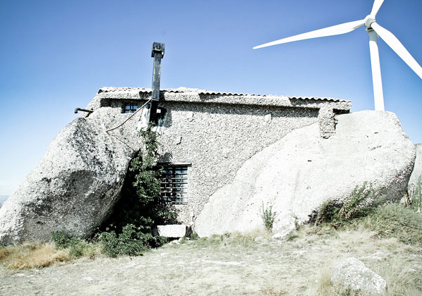 Kamienny dom - ciekawostki
