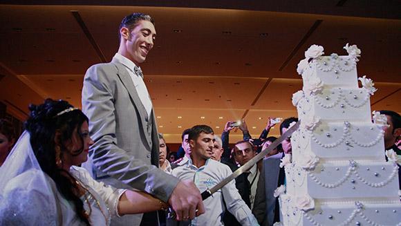 Najwyższy mężczyzna naświecie wziął ślub