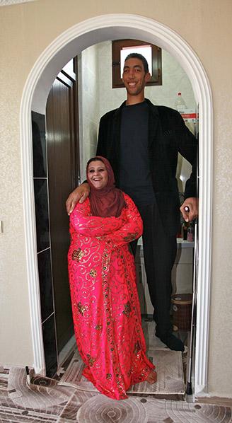Najwyższy mężczyzna naziemi - ślub