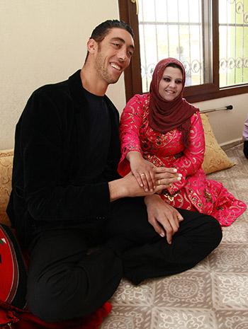 Najwyższy mężczyzna naziemi wziął ślub