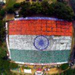 Największa flaga ułożona z ludzi