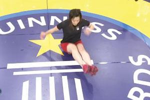 Skakanie napośladkach - Szalone Rekordy Guinnessa odcinek 01
