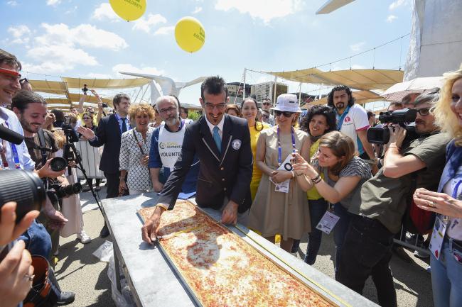 Najdłuższa pizza naświecie - Mediolan