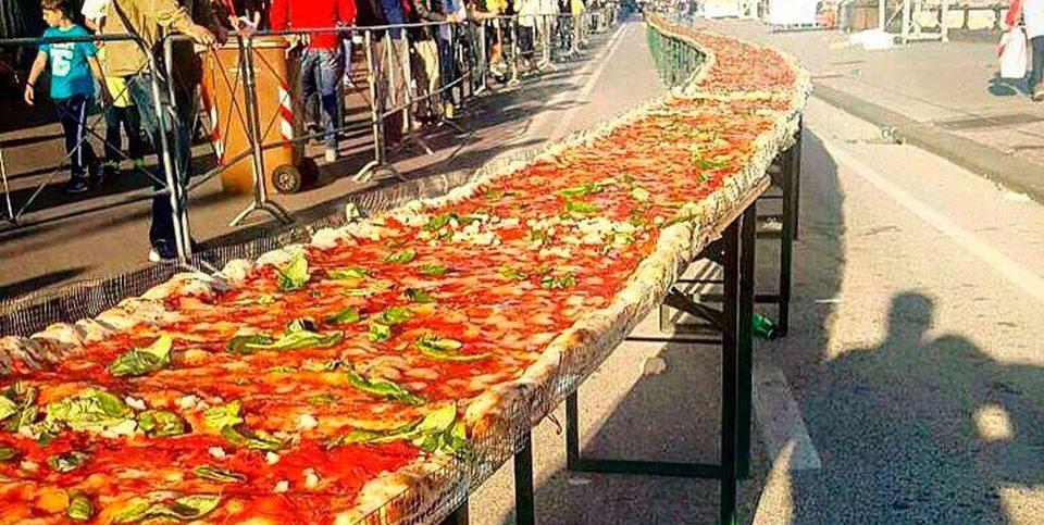 Najdłuższa pizza naświecie