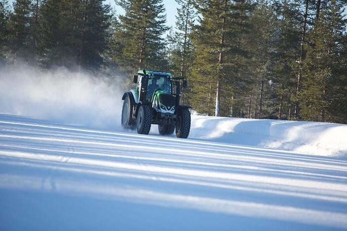 Najszybszy traktor - rekord Guinessa