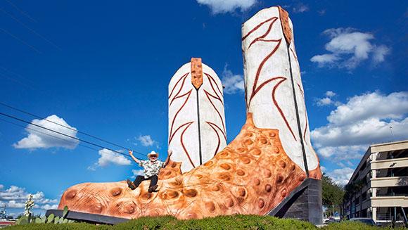 Największy pomnik butów kowbojskich - rekord Guinnessa