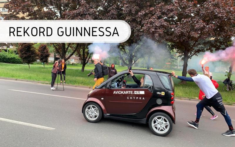 Rekord Guinnessa - pchanie samochodu