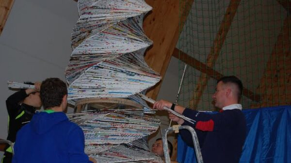 Największa choinka z papierowej wikliny - Stepnica